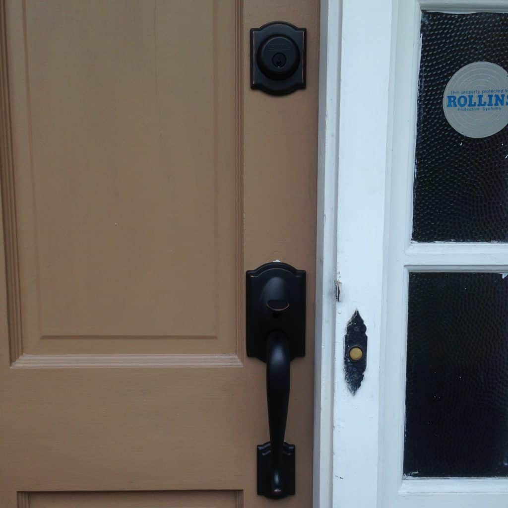 plainville ct home door damage, fixed by mr lock magic